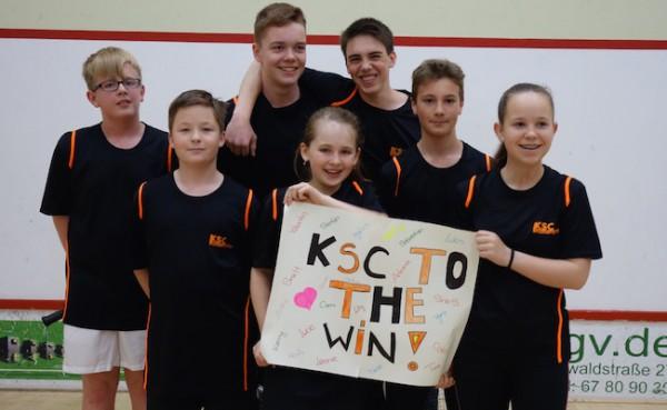 Alle sieben KIDS des KSC bei der Bezirksmeisterschaft Süd in Taufkirchen auf dem Podest