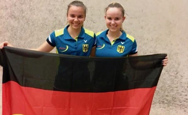 Jana und Lucie mit dem u17 Team bei der EM in Malmö (Schweden)