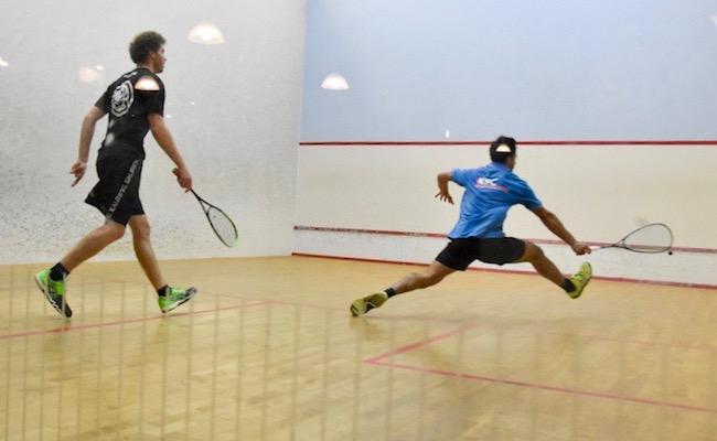 Squash-Spiel wieder erlaubt