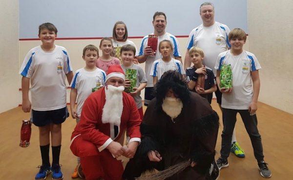 KSC-Kids begrüßen den Nikolaus